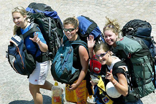 [新聞]  上財年4.3萬背包客來澳打工度假 年增20%